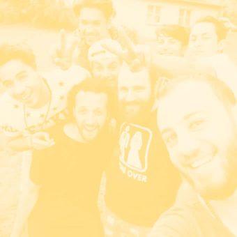 Gruppe Jugendlicher Selfie